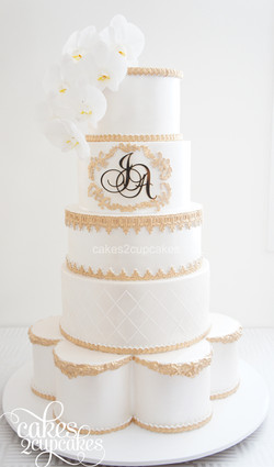 cakes2cupcakes-A&J-gold cake