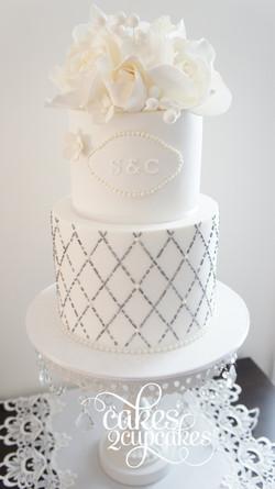 cakes2cupcakes-edible-beading.jpg