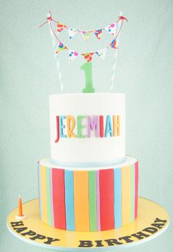 cakes-2-cupcakes-bunting.jpg