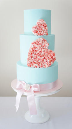 cakes-2-cupcakes-blue-pink-2-hearts.jpg