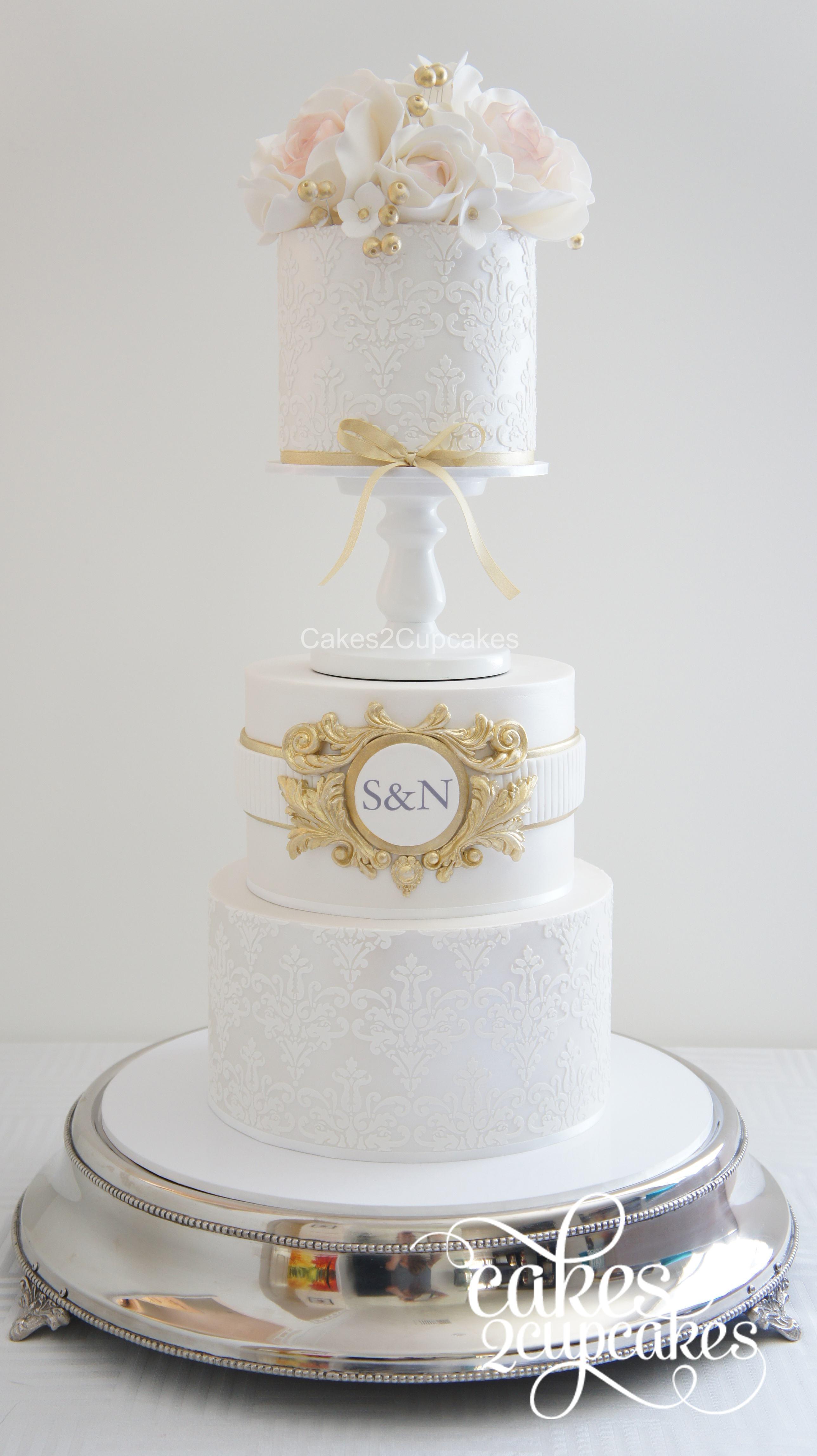 cakes2cupcakes-gold-monogram.jpg