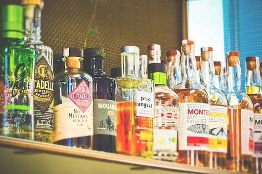 bottles-3623317__480.jpg