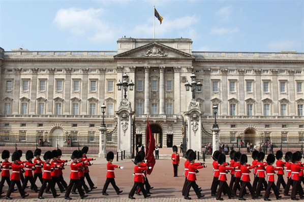 buckingham-palace-london
