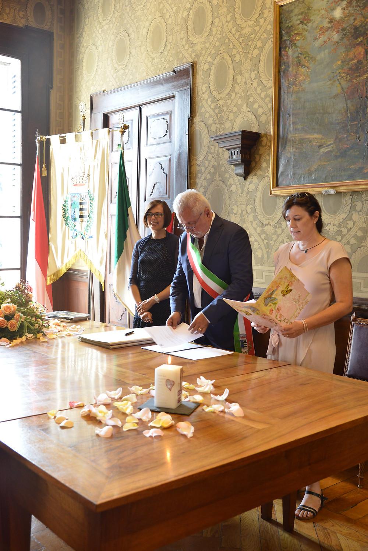 Sara Rozzi, Symbolic Celebrant, Lake Garda Italy