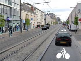 Nouveaux logos vélo sur l'avenue Maginot