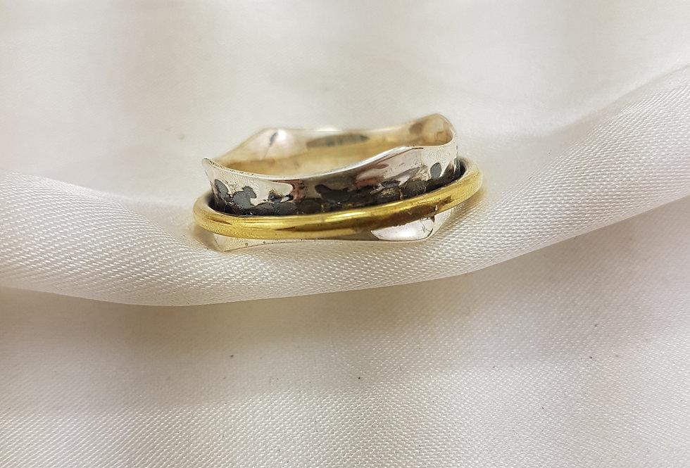 Gold meditation ring