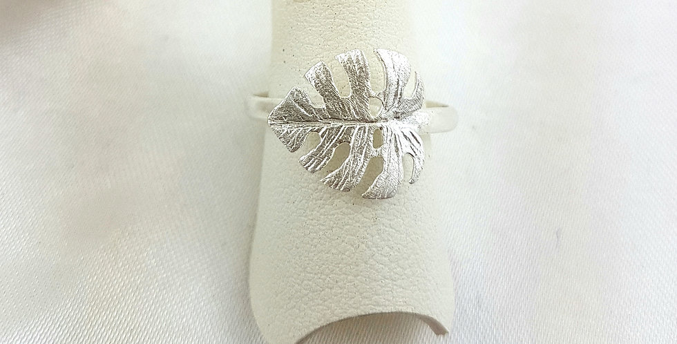 Sterling silver monstera leaf ring