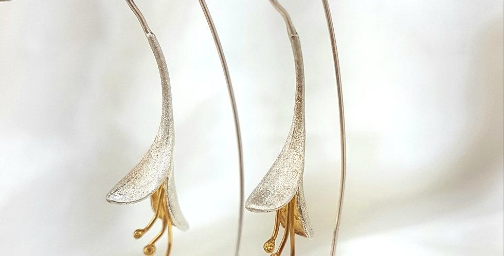 Elegant long flower earrings