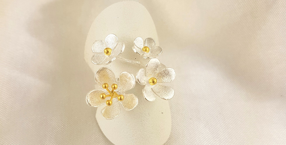 Gold & sterling silver 4 flowers ring