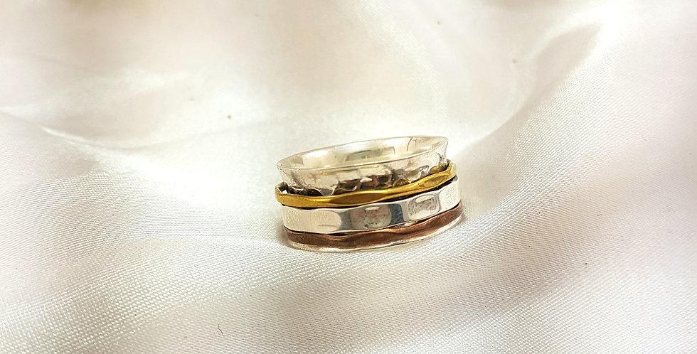3 bands meditation ring
