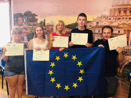 "Graduates from Kaišiadorys School of Business and Technology in Italy to ""Build"" a Bridge"