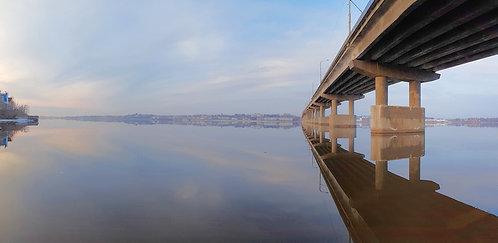 Кострома. Отражение. Мост.