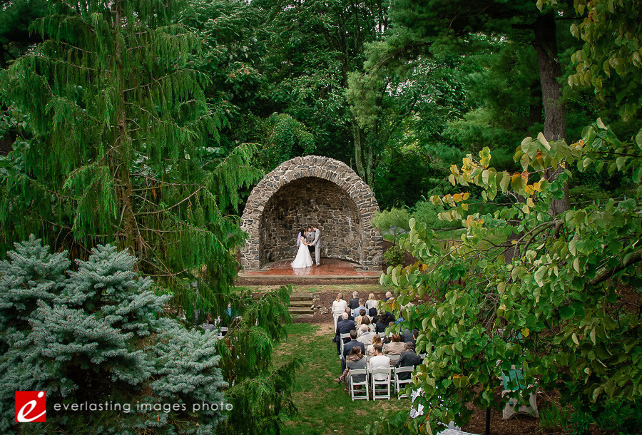 Outdoor wedding photographer photography Hotel Hershey