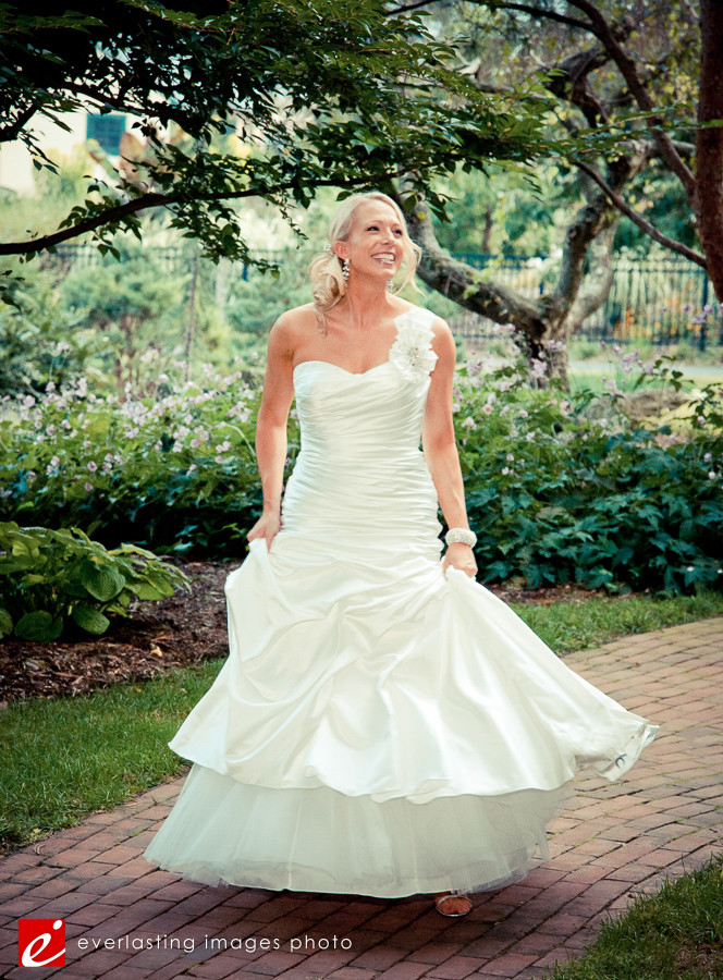 big smile happy Hershey Gardens Wedding weddings photography photographer pictures outdoor pics