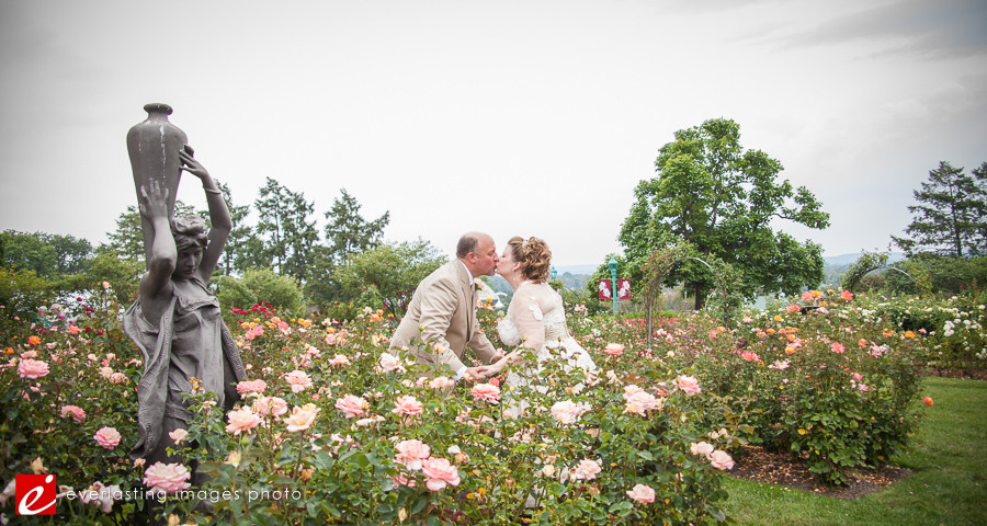 kiss flowers pretty Hershey Gardens Wedding weddings photography photographer pictures outdoor pics