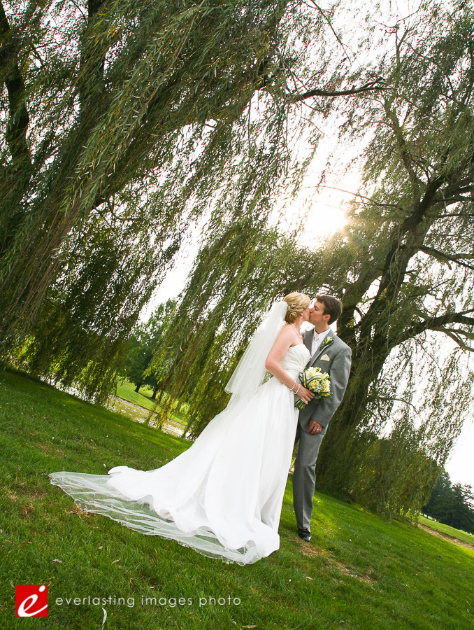 Creative Artsy Hershey Country Club Weddings Photographer pic pictures