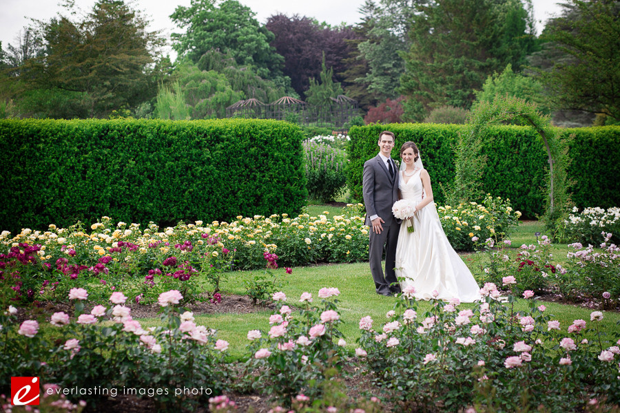 pose Hershey Gardens Wedding weddings photography photographer pictures outdoor pics