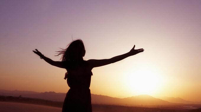 Méditation sonore, pouvoir de l'affirmation, bols de cristal, dulcimer