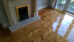 Lacquered Colombian pine parquet