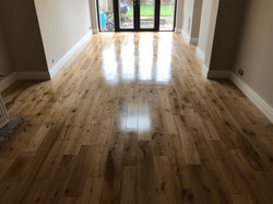 Solid oak factory lacquered planks