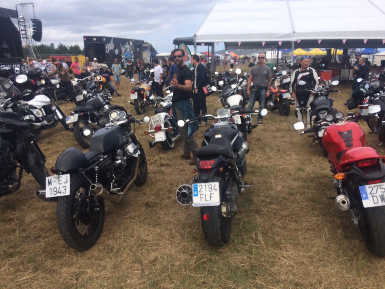 Una barba y unas motos