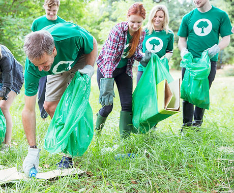 volunteers - biodegradable products - compostage bags