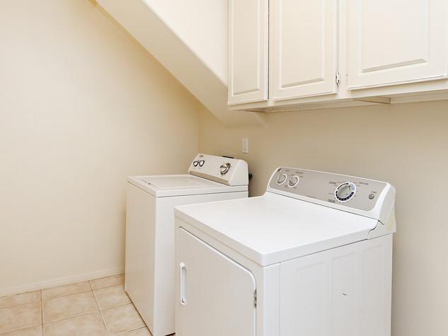10_Laundry.JPG