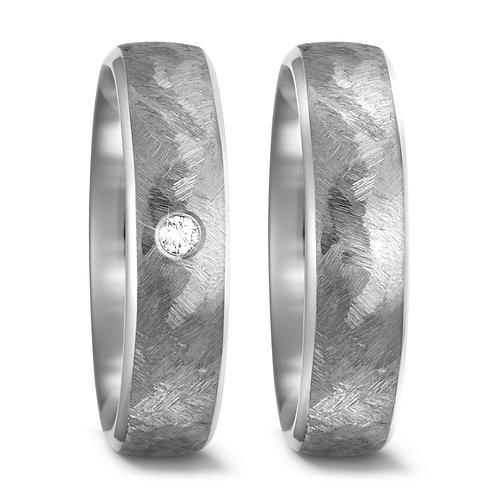 Ringe aus Titan mit Brillanten