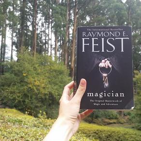 Review | Magician | Raymond E. Feist