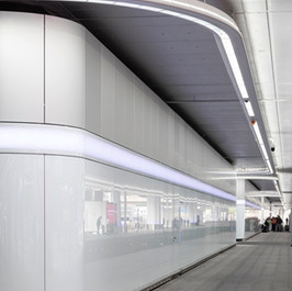LED Installation Ankunftsebene Terminal 1 Frankfurt Flughafen