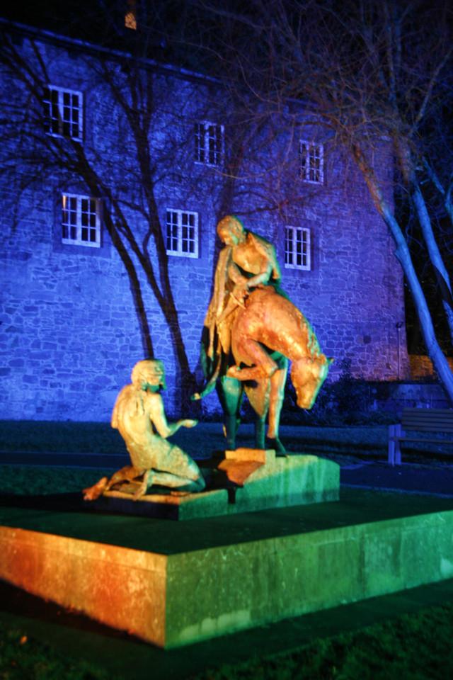 St. Martin und der Bettler im Burggarten in Blomberg