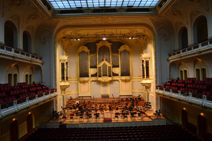 Der Blick auf die Bühne der Laeiszhalle Hamburg