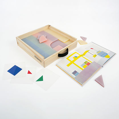 Combino is an hybride game for dyscalculia and normal children composed by three games anedition, a 2D cards and a 3D construction blocs.