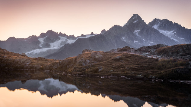 Sunrise at Lacs des Chesery