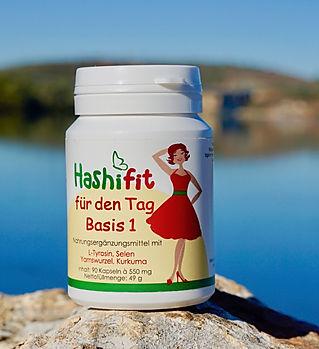 Du kannst mit Basis1 deinen Tagesbedarf von 200µg an Selen decken und hast noch viele weitere wichtige Mikronährstoffe u.a. für deine Schilddrüse wie Tyrosin