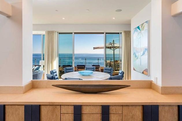 MALIBU BEACH HOUSE - BUFFET
