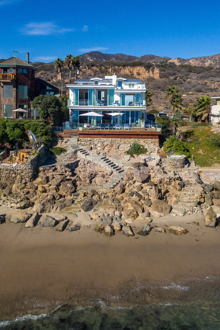 MALIBU BEACH HOUSE - EXTERIOR