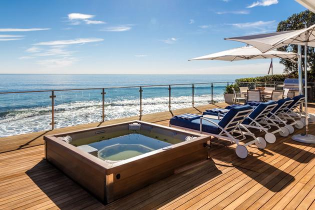 MALIBU BEACH HOUSE - SUN DECK