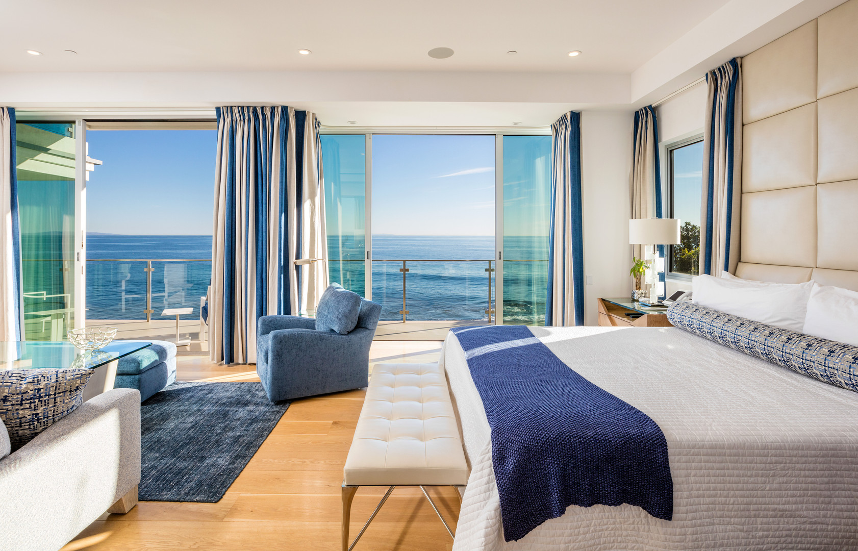 MALIBU BEACH HOUSE - MASTER BEDROOM