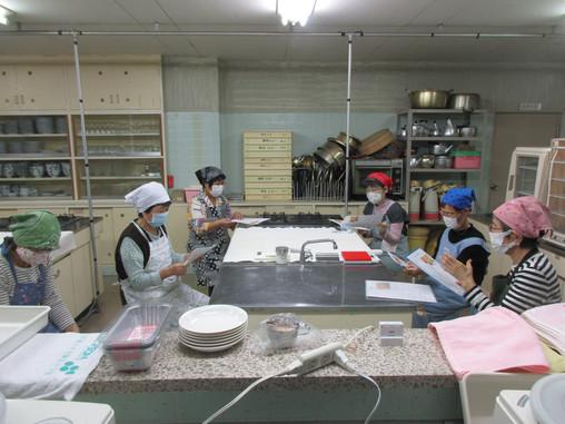 10月13日(火) (第2期)第2回 パン教室 エッグバンズとミニ山型食パン