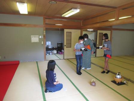 ゆきキッズクラブ 第1回 お茶教室     9月19日