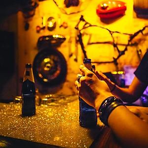 MR250 Bar Salon