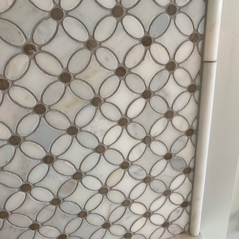 Marble mosaic tile with pencil molding trim