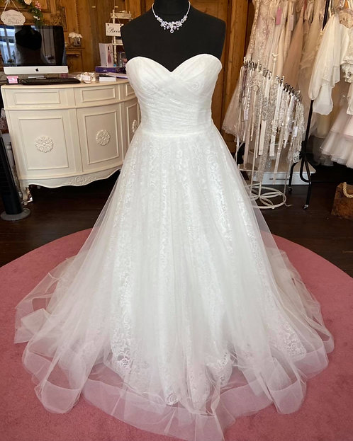 Sincerity '44055'Wedding Dress