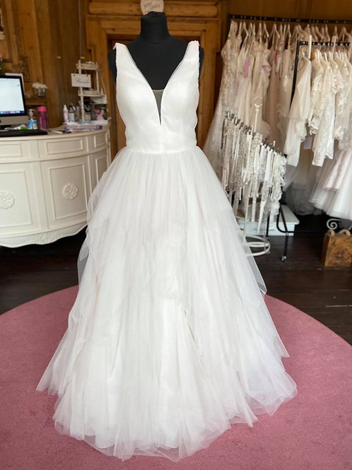 Sweetheart '11021' Wedding Dress