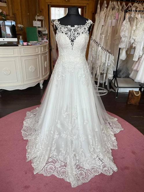 Essense of Australia 'D2327' Wedding Dress