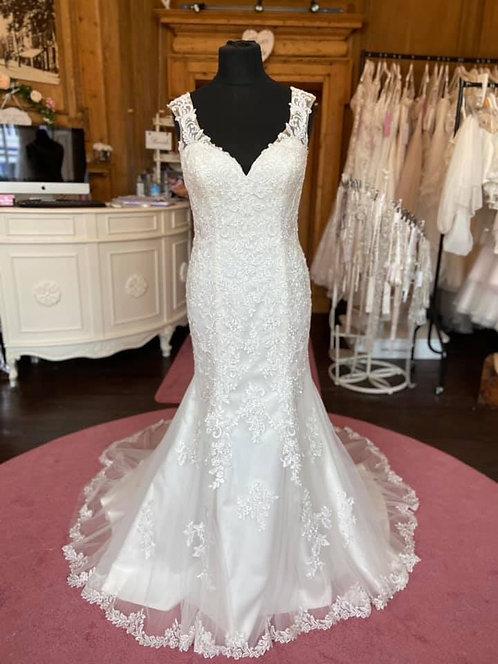 Sincerity '44054'Wedding Dress