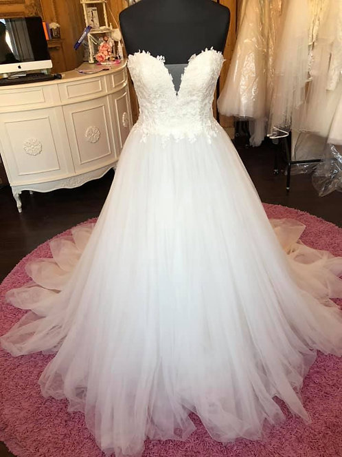 Lunanovias 'Vilboa' Wedding Dress