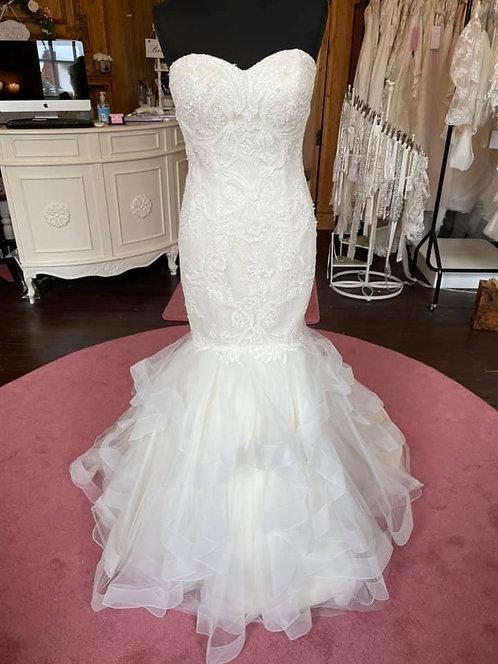 Donna Lee 'Yaya'Wedding Dress