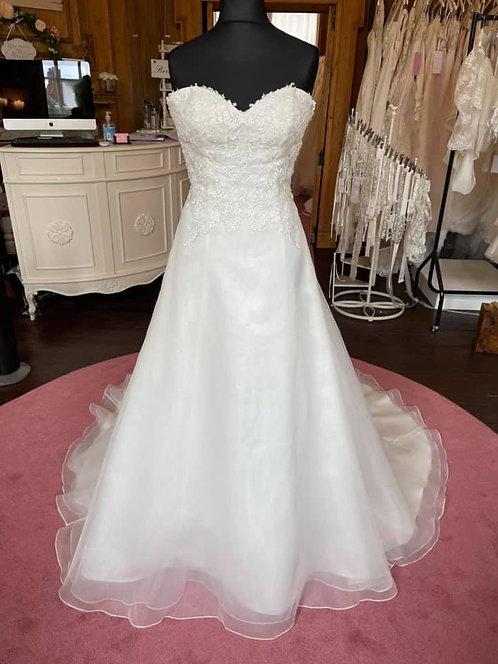 Sweetheart '1101' Wedding Dress